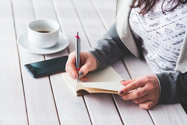 Peluang Bisnis Menulis Artikel Dapat Duit