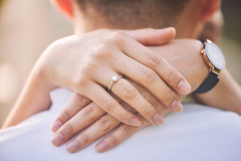 Viska Gold Ring, Cincin Emas Cantik untuk Momen Spesial